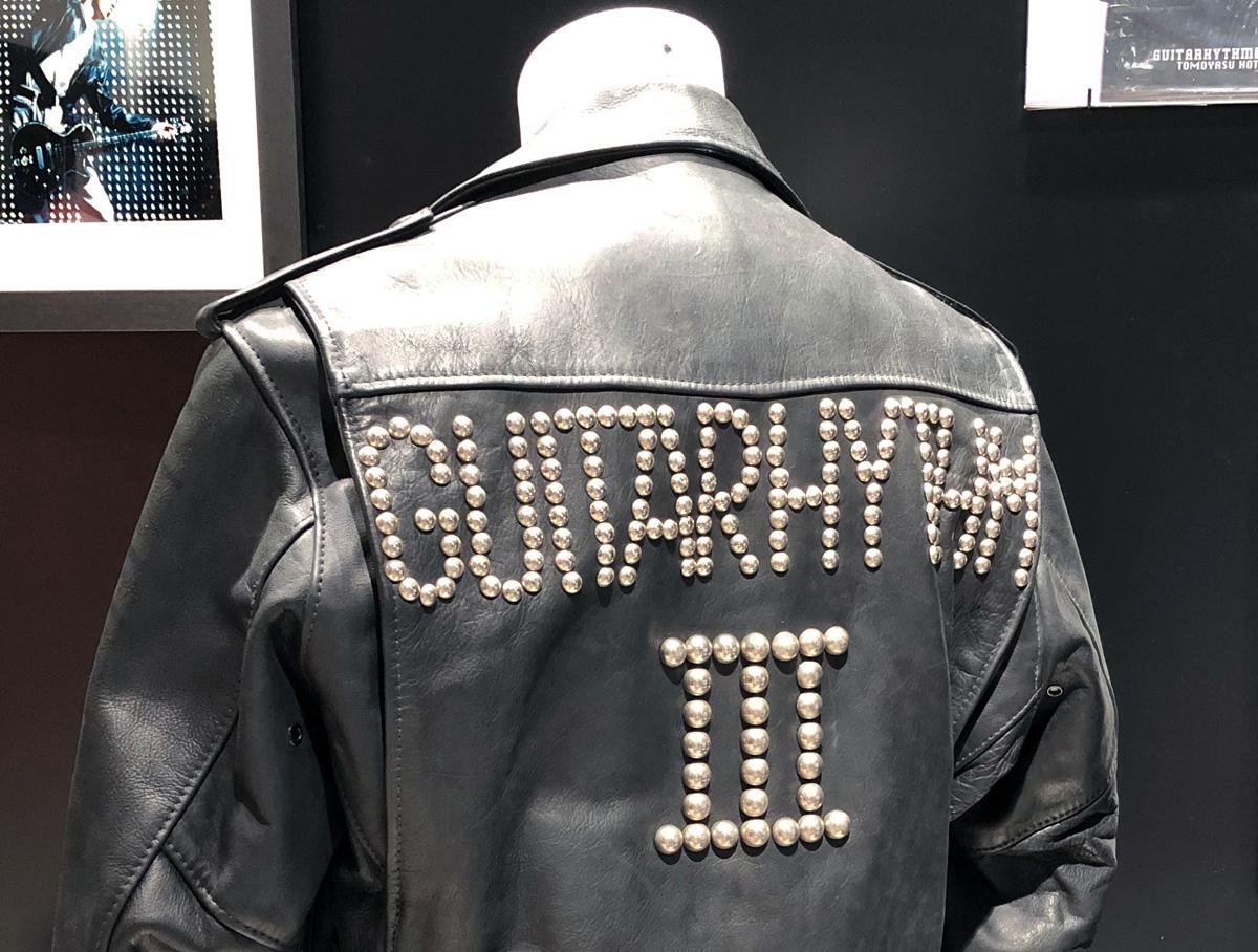3. 29年前のCDジャケットで着ていた革ジャンに遭遇